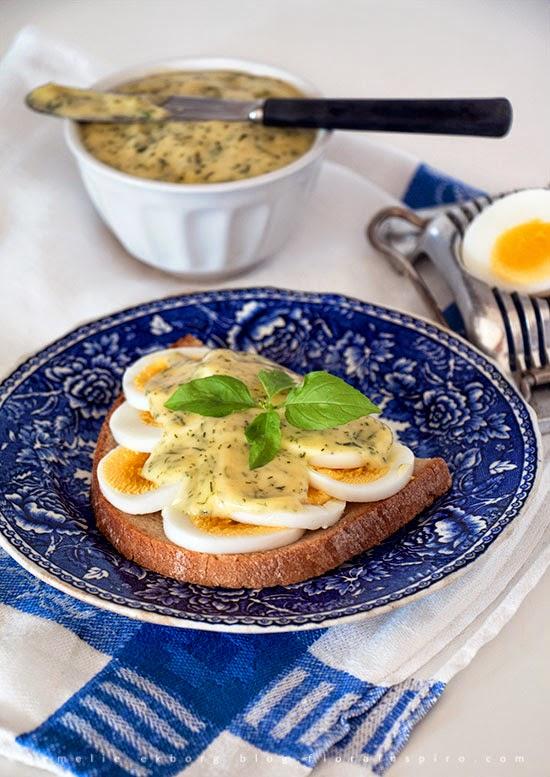 homemade mayo, homemade mayonnaise, göra majonäs, hemmagjord majonäs, recept majonäs, dill lemon mayo, dill lemon mayonnaise, dill citron majonäs, recept dill citron majonäs, äggmacka med majonäs, egg sandwish mayo, egg sandwich mayonnaise
