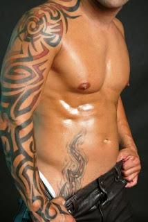 Tatouage Bras Homme Polynesien mucler