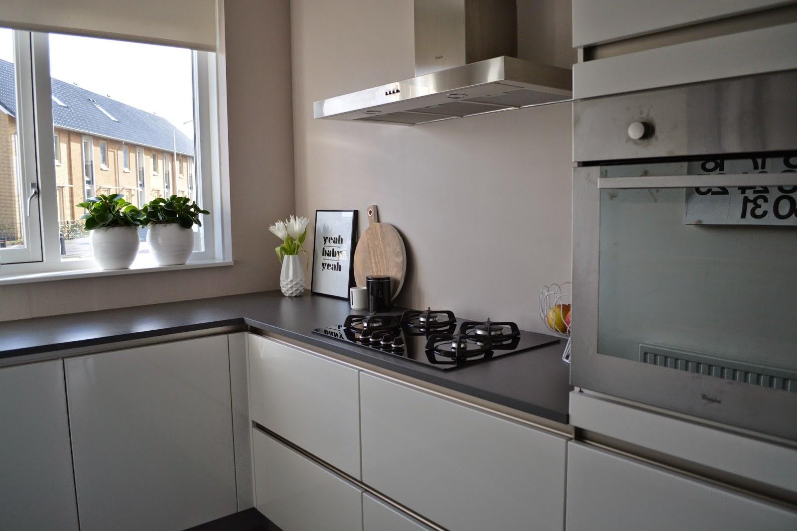 Saved with style interieur een kijkje in ons huis 1 keuken - Keuken kleur idee ...