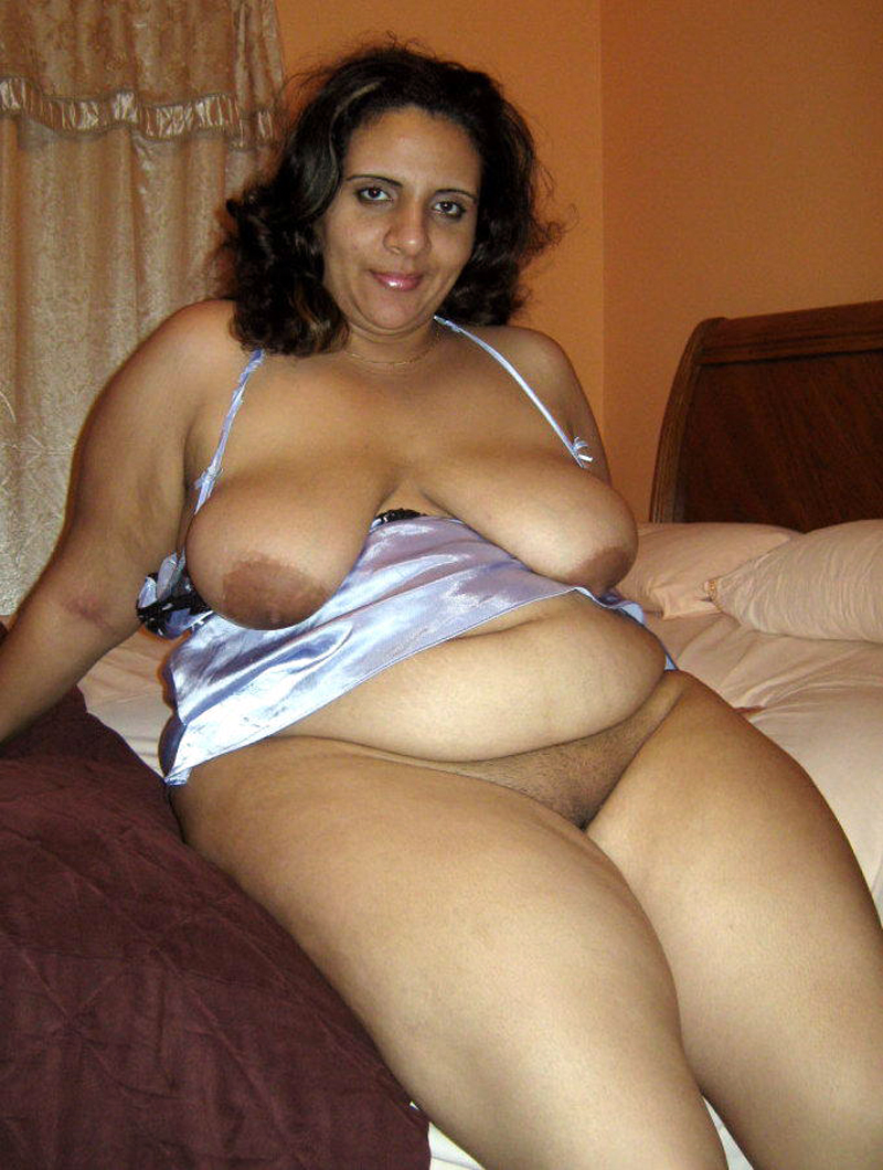 huge melon bbw indian aunty teasing