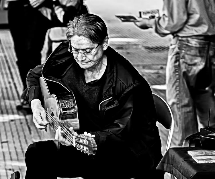 Guitarrista en Recoleta