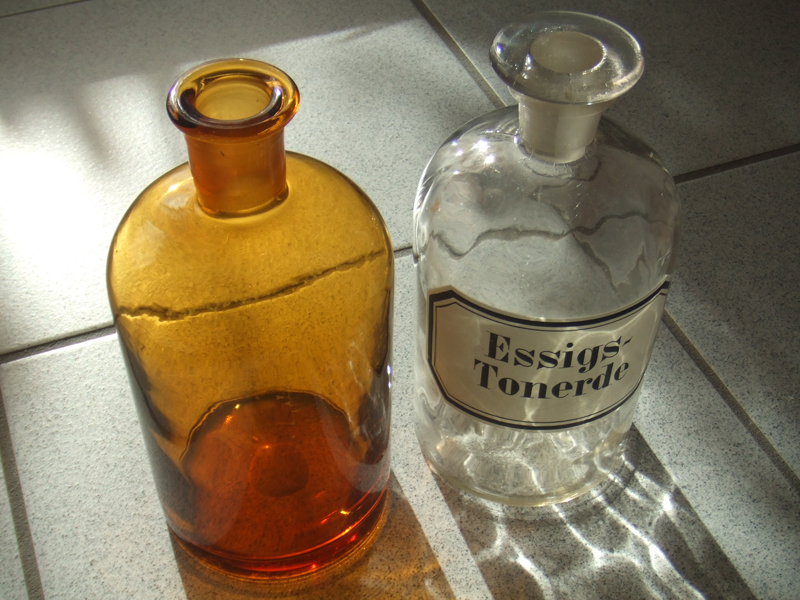 centi bastelt diese alten flaschen. Black Bedroom Furniture Sets. Home Design Ideas