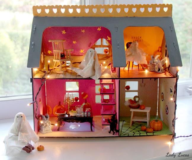 Haunted House DIY Lady Lucas