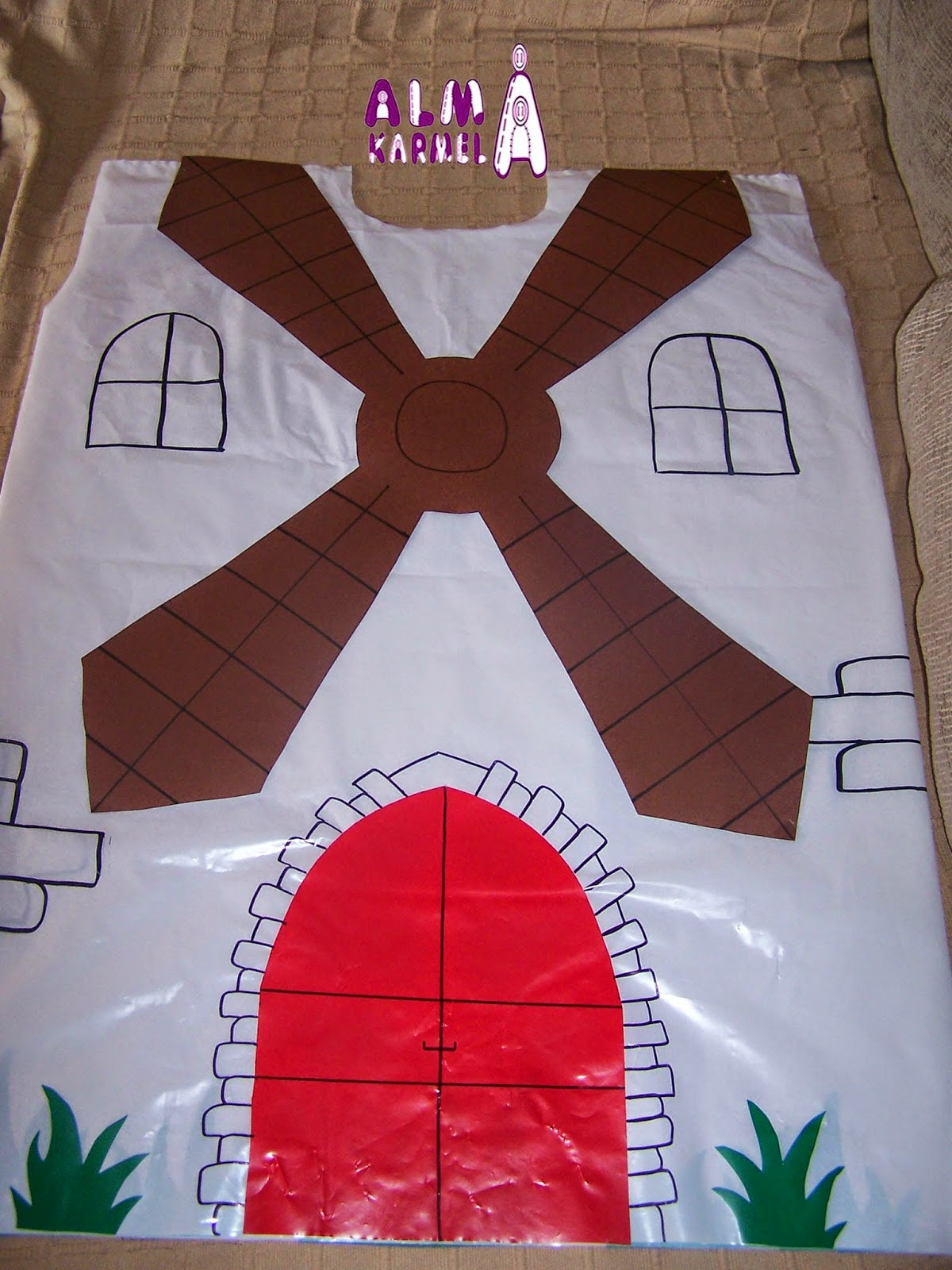 Almakarmela disfraces de carnaval molinos for Como hacer molinos de viento para el jardin