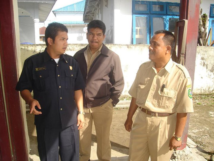 tokoh masyarakat yg berkunjung ke sekolah-sekolah