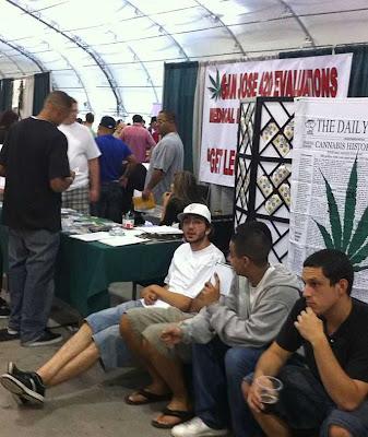 Maconha em Los Angeles: aguardando para ganhar receita legal
