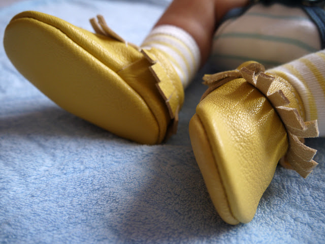 chubby-baby's-legs-yellow-moccasins-butterfly-your-world-little-things-todaymyway