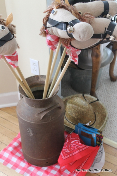 Straw Hat Craft Ideas http://www.thecountrychiccottage.net/2013/04/party-ideas-cowboy-birthday-party.html