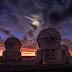 Quầng Mặt Trăng trên bầu trời hoàng hôn ở Paranal