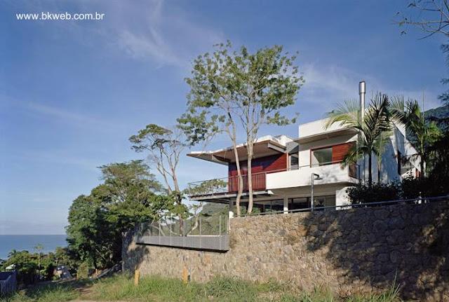 Residencia contemporánea en San Sebastian, San Pablo, Brasil