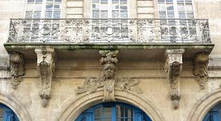 Balcon du 82 rue François Miron à Paris