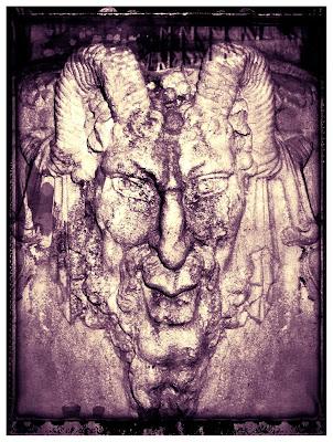 Demonio-cachos-capricornio