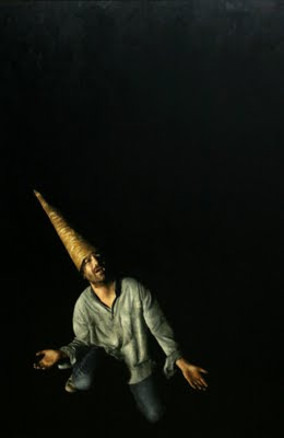 el magnífico cucurucho iluminando el espectacular negro donde habita...