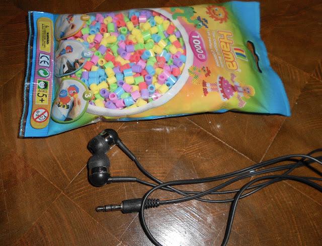 Perler kan købes i fætter br til 10 kr og hovedtelefoner fås i