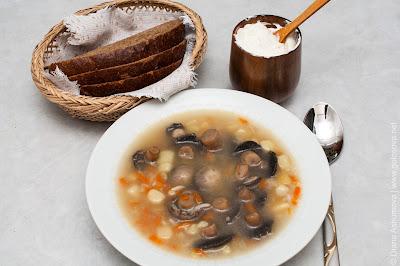 суп с шампиньонами со сметаной