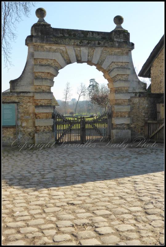 Queen's hamlet farm Versailles arch