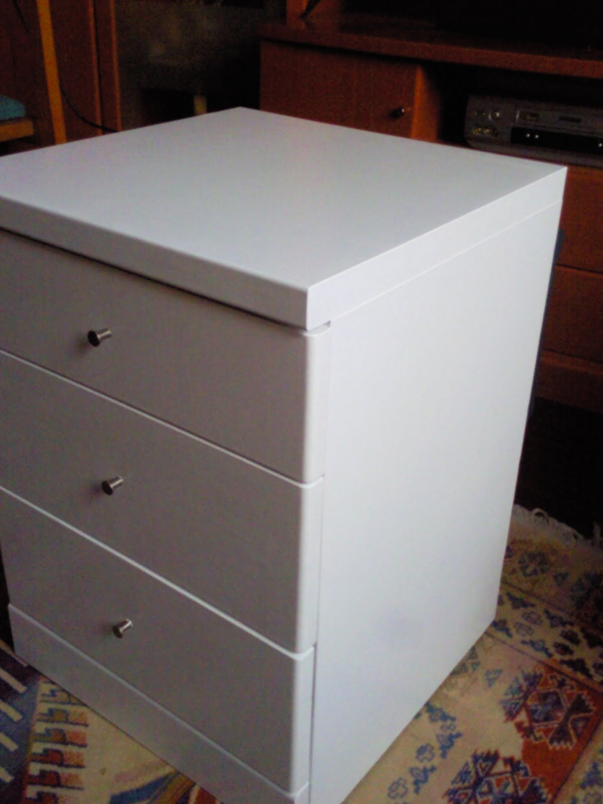 Tutorial como pintar un mueble de madera boulevard pink - Pintar un mueble ...