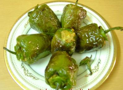 आलू के साथ भरवां शिमला मिर्च