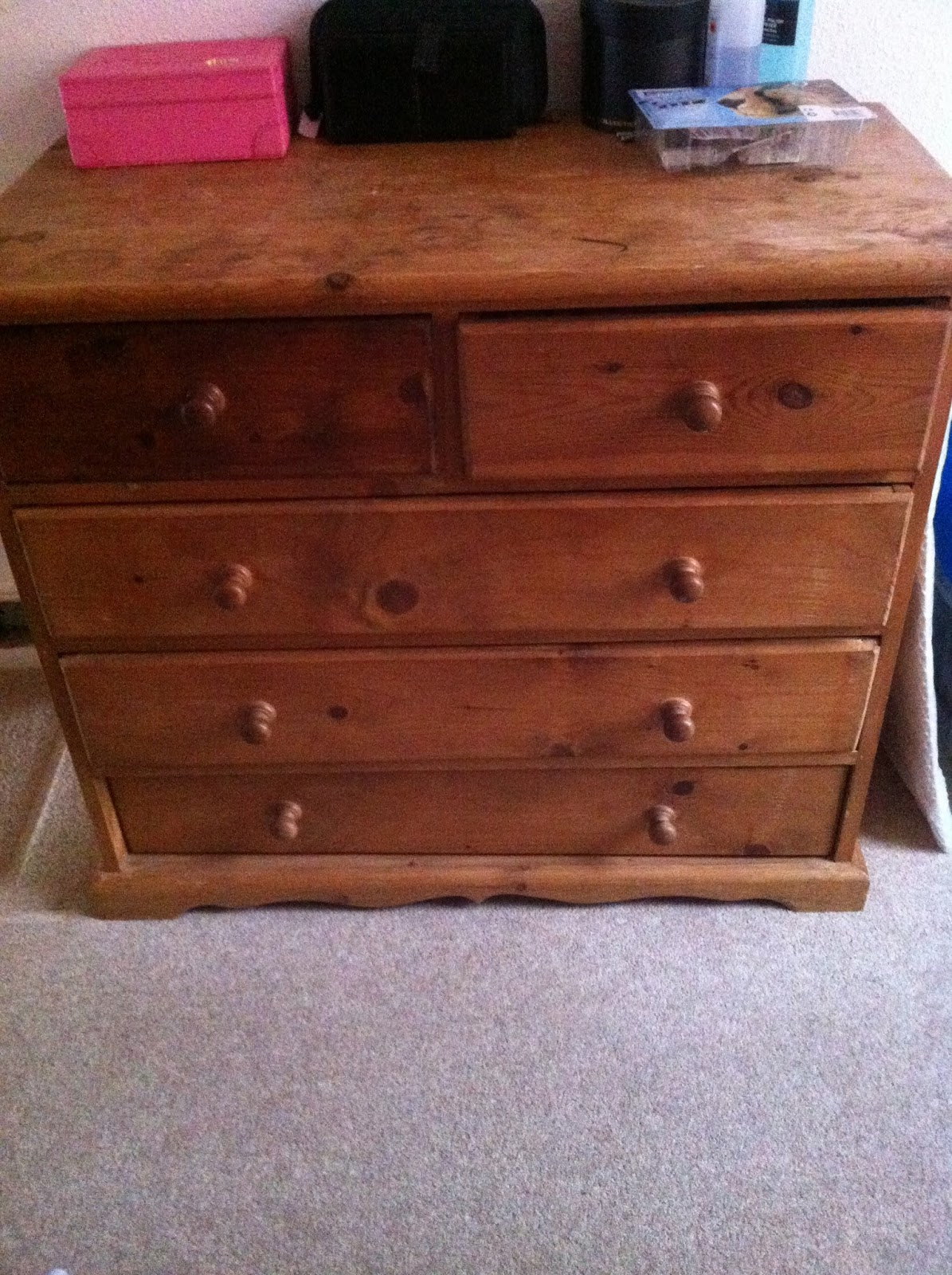 doyounoah My first attempt at upcycling furniture