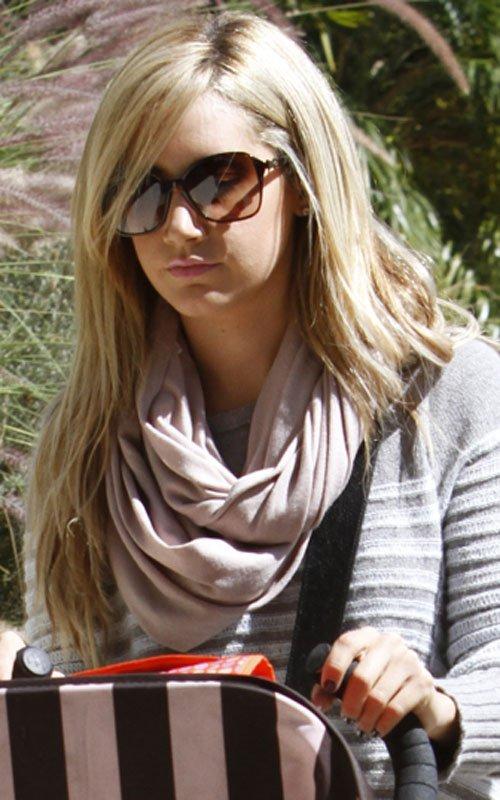 ;Ashley Tisdale; – Celeb Goss Pics