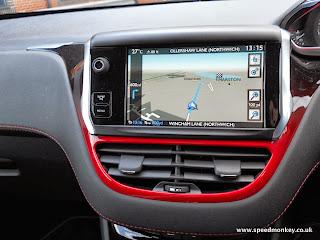 2013 Peugeot 208 GTI touchscreen