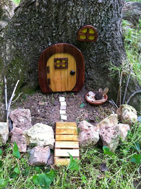 Fairy house geocache - Schneewittchen gartenfigur ...