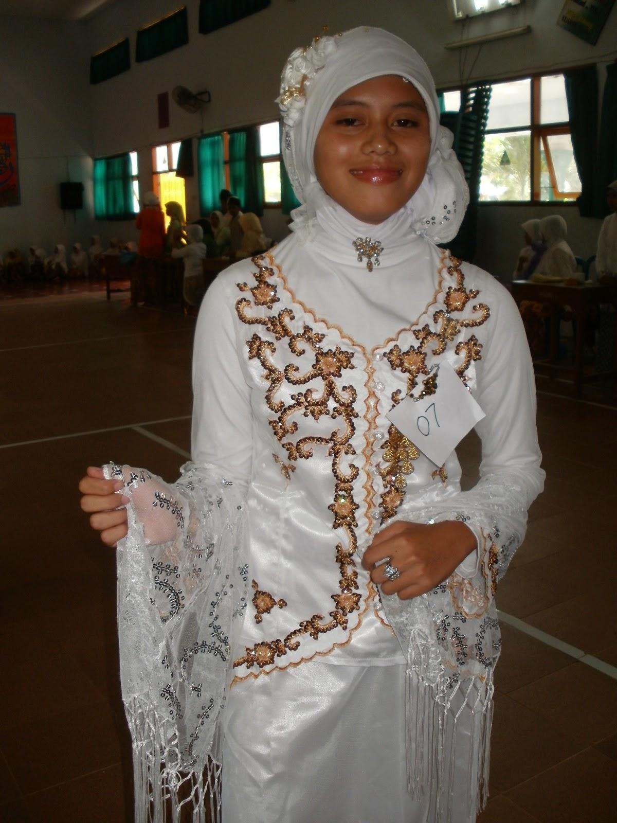 Foto-Foto Model Hari Kartini MTsN Jabung