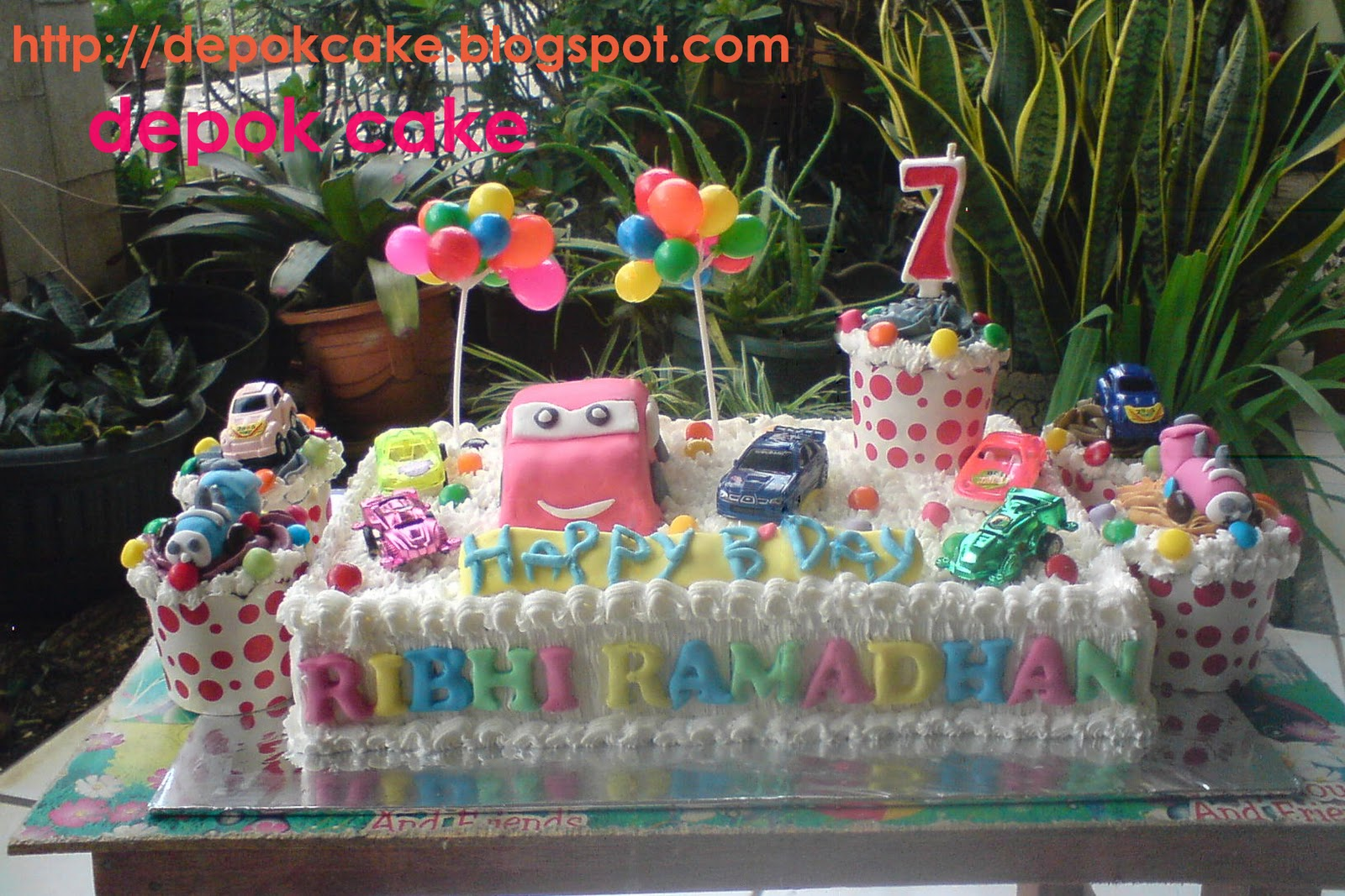 CARS CAKE WITH CUP CAKE