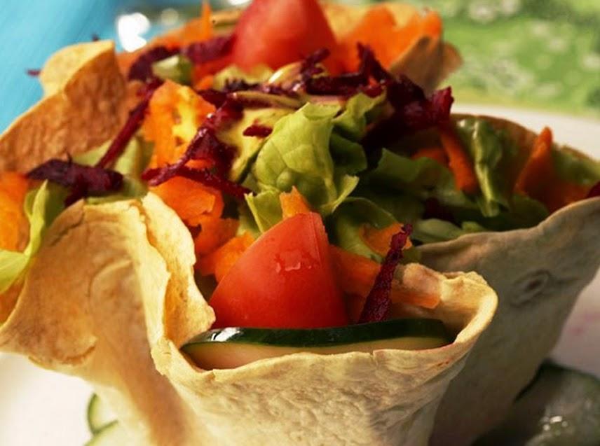 Salada Mista na Cesta (vegana)