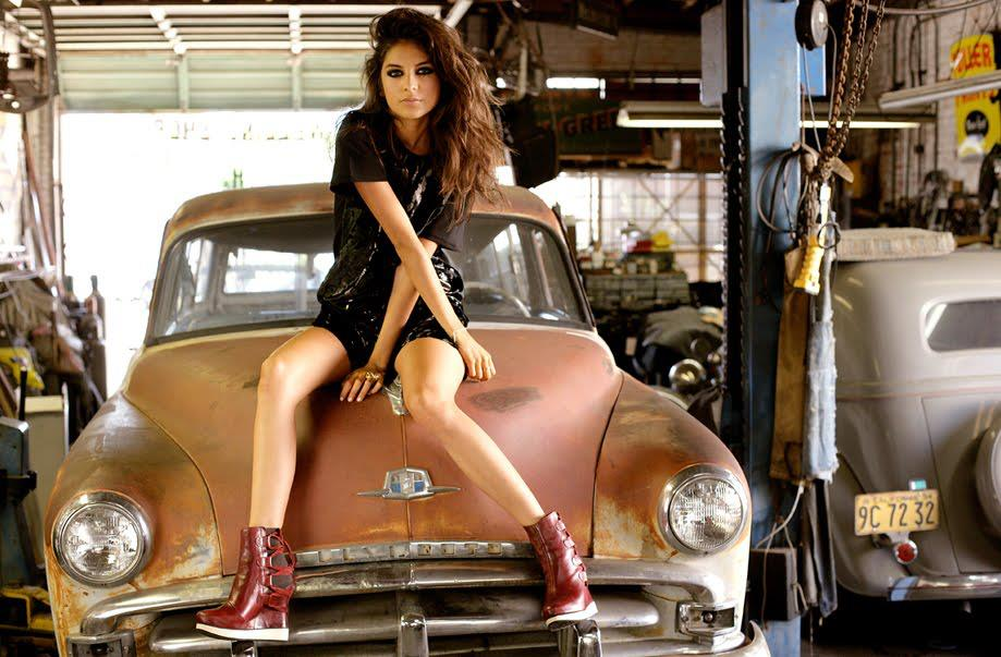 girls pictured with cool cars part 1 - Super Cool Cars With Girls