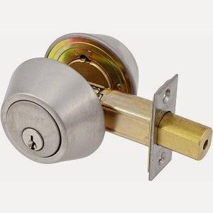 Deadbolt install locksmith in Portland
