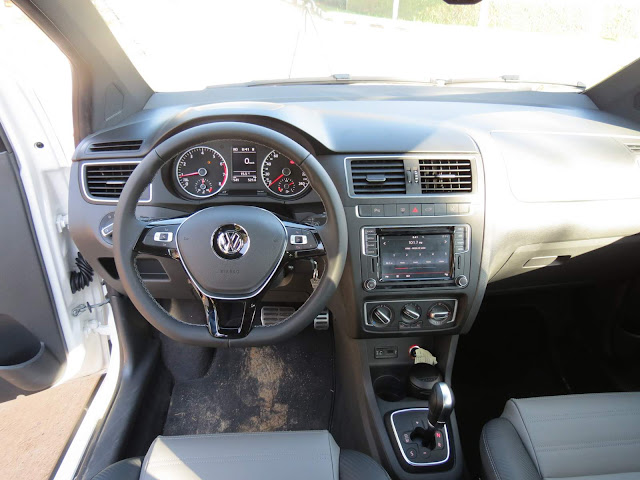 VW CrossFox 2016 I-Motion: interior