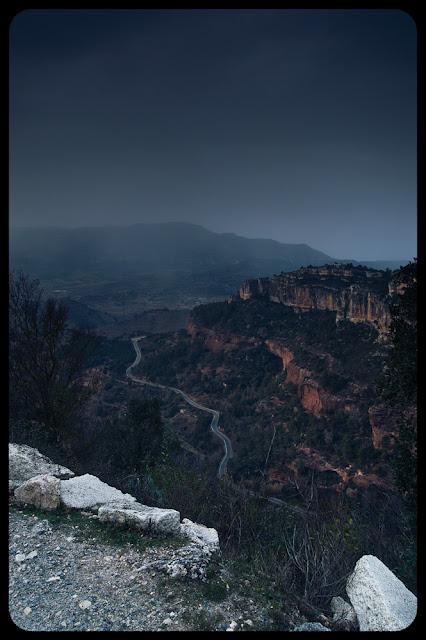 """Fotografia krajobrazu. Siurana, Catalonia, Hiszpania. Piosenka Festiwalu Filmów Motocyklowych """"The Art of Ride"""" w Rudzie Śląskiej."""