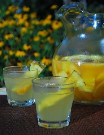 Pineapple+Sangria.jpg