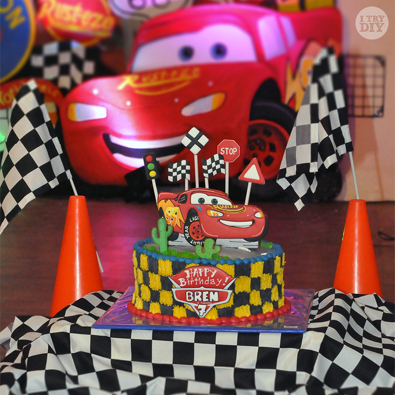 Cars Cake Design Red Ribbon : Bren s Disney Cars 7th Birthday Party! I Try DIY