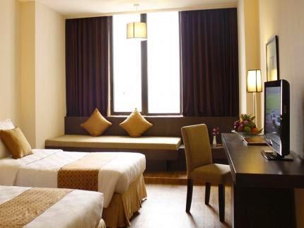 Garden Palace Hotel Adalah Berbintang Empat Yang Terletak Di Pusat Kota Surabaya Dan Hanya Beberapa Menit Dari Plaza Tunjungan