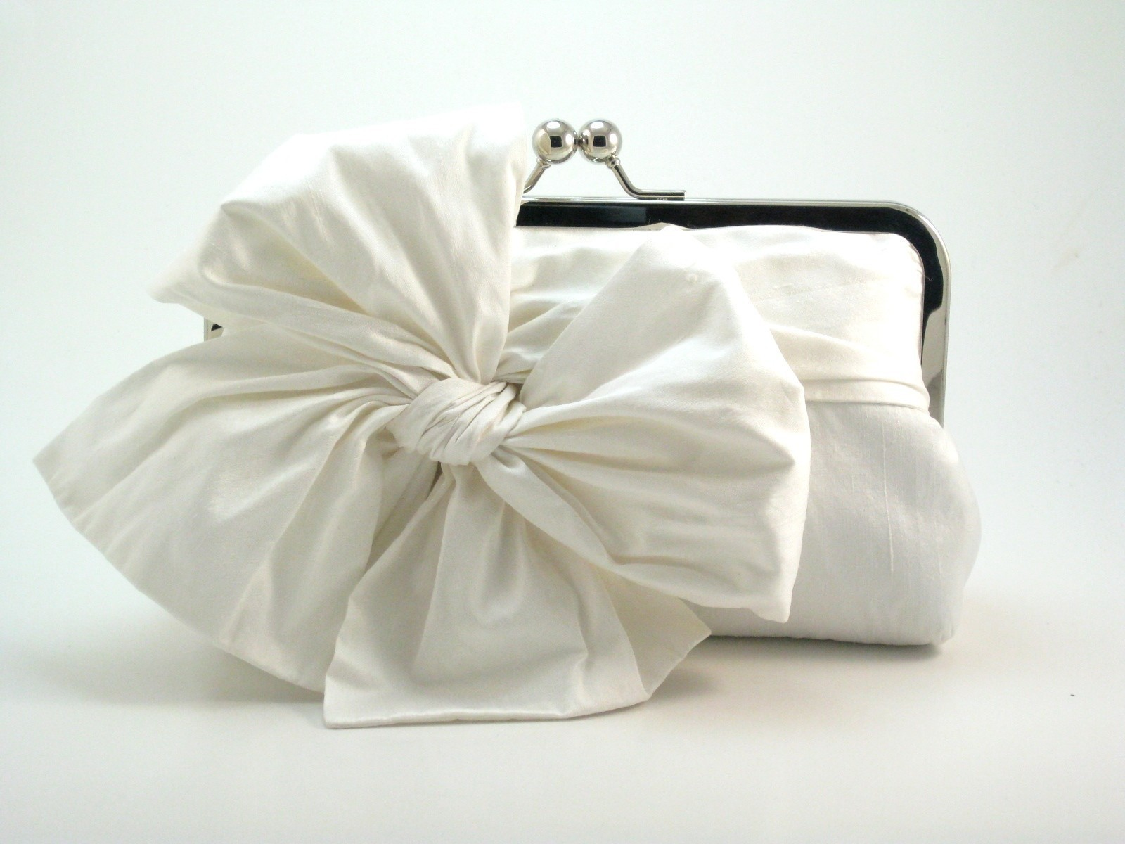 Latest Bridal Clutch Purses Collection