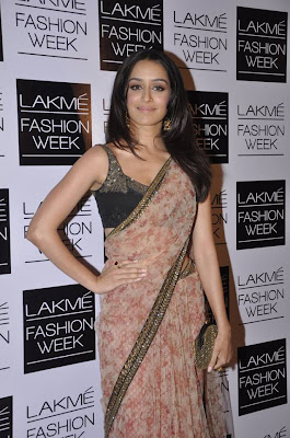 Shraddha Kapoor snapped at LFW gallery