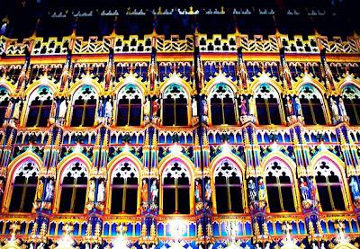 Ayuntamiento City Hall Leuven Lovaina iluminado