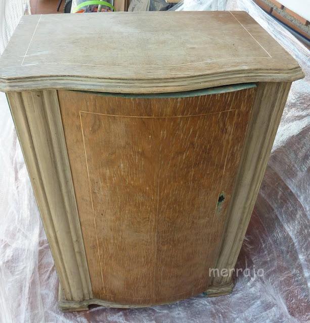http://merrajo.blogspot.com.es/2015/09/mueble-de-maquina-de-coser-restaurado.html#more