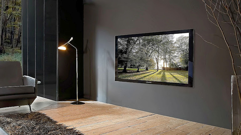 Interior Plasma in a drawing room