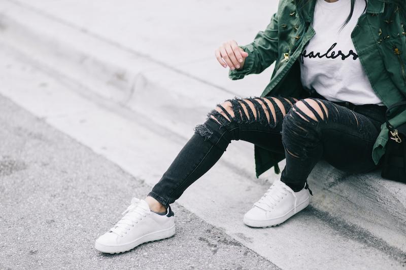 true religion, black ripped jeans, furor moda, fearless tee, garrote, army jacket, coach, white sneakers, proenza schouler, ps11, gant eyeglasses, coordinates bracelet, miami, miami winter, miami fashion blogger,
