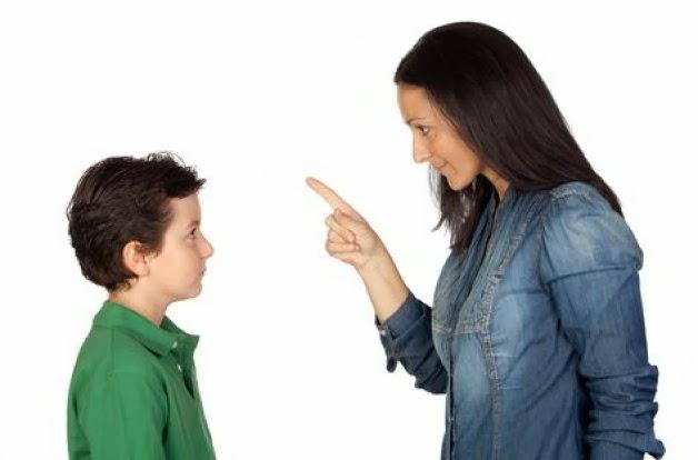 Οι 10 «ακίνδυνες» φράσεις που δεν πρέπει να πείτε ποτέ στο παιδί σας