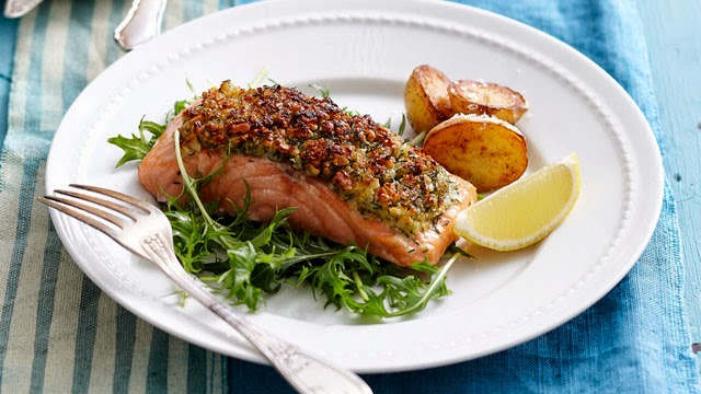 Recipe Exchange: Alaska Salmon Bake with Pecan Crunch Coating