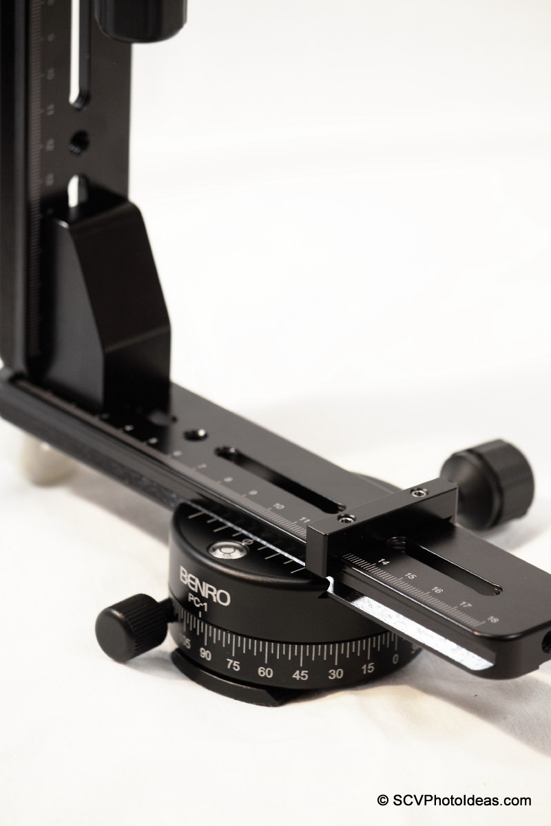 Panorama head base w/ horizontal panorama clamp detail