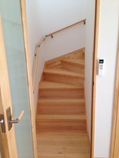 階段も樅の木