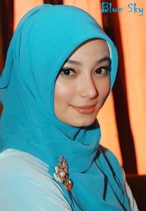 Artis Cantik Populer Indonesia