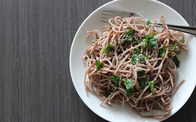 Red-Wine Spaghetti with Walnuts & Parsley | A Hoppy Medium