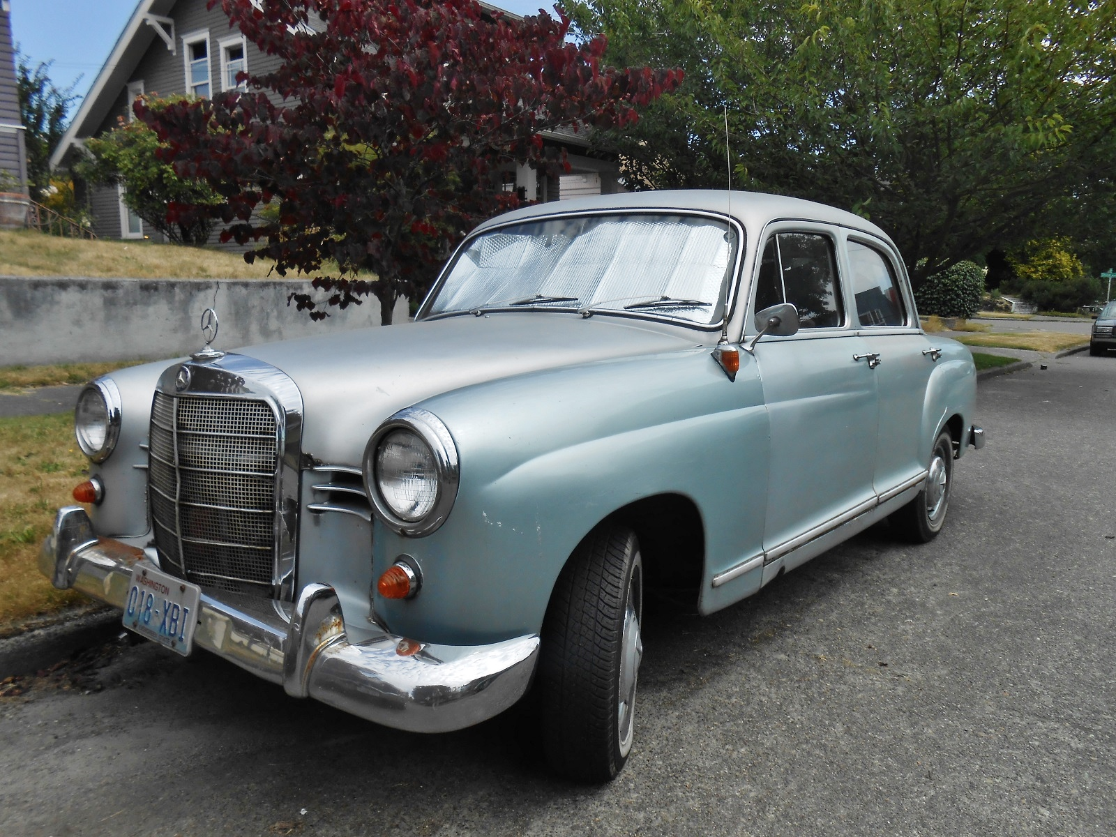 Seattle 39 s parked cars 1960 mercedes 190d for 1960 mercedes benz