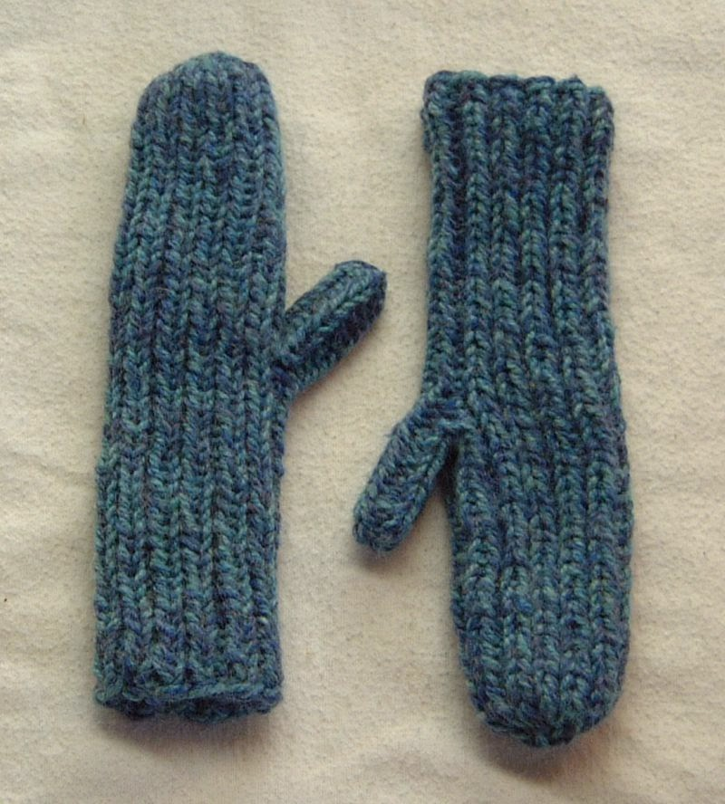 The Doily Underground: Wribbit (Easy Ribbed Mittens)